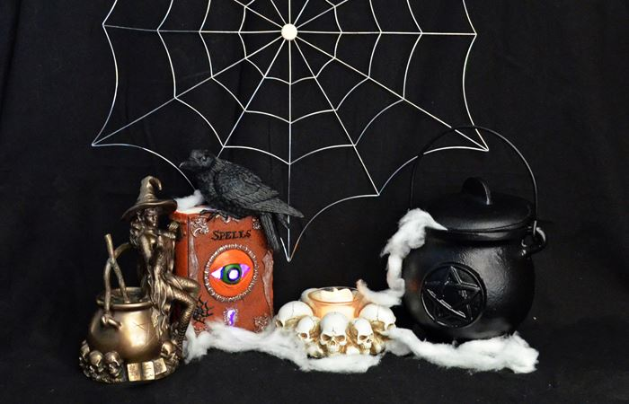 Fiesta Studios Ltd - Halloween Wholesale UK